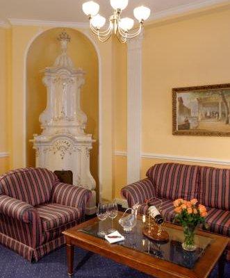 Hotel Embassy - фото 6