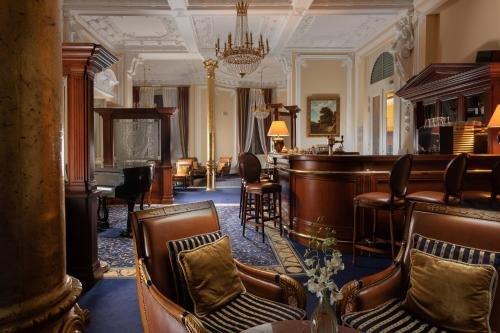 Savoy Westend Hotel - фото 8