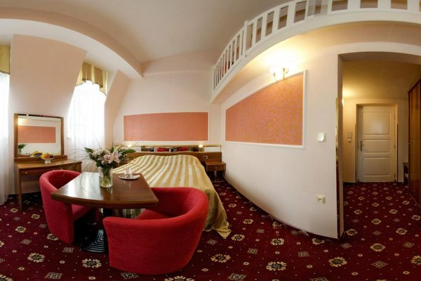 Hotel Sirius - фото 1