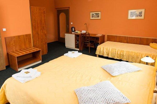 Hotel Jicin - фото 1