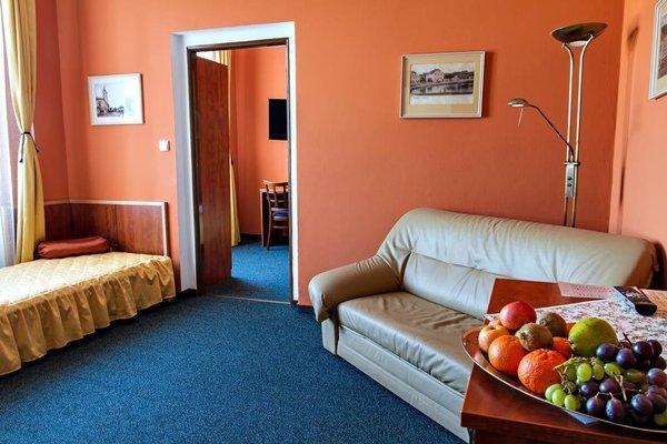Hotel Jicin - фото 2