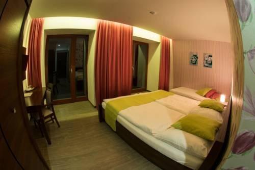 Hotel Slunny Dvur - фото 2