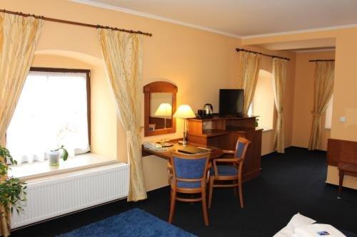 Zamecky Hotel Zlaty Orel - фото 2