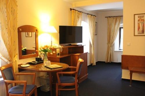 Zamecky Hotel Zlaty Orel - фото 6