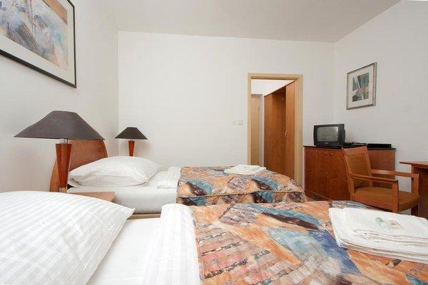 Отель Chotol - фото 1