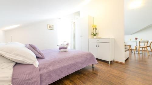 Apartments Sandra Solitudo - фото 2