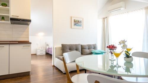Apartments Sandra Solitudo - фото 6