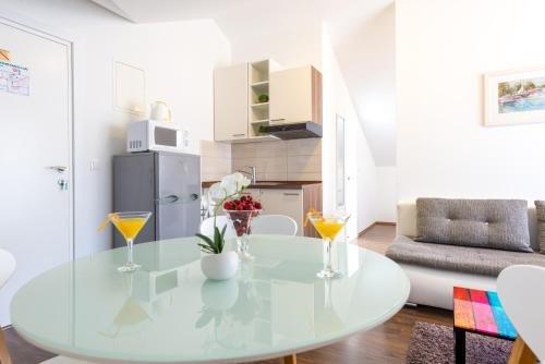 Apartments Sandra Solitudo - фото 7