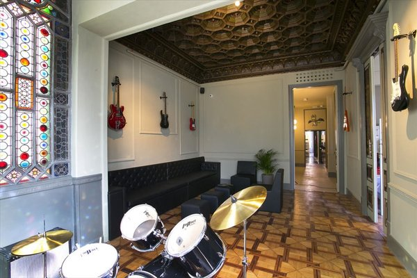 Sant Jordi Hostel Rock Palace - фото 3