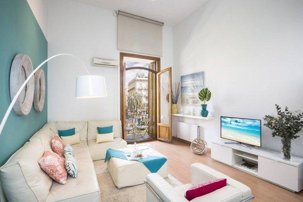 Spain Select Plaza de la Reina Apartments - фото 1