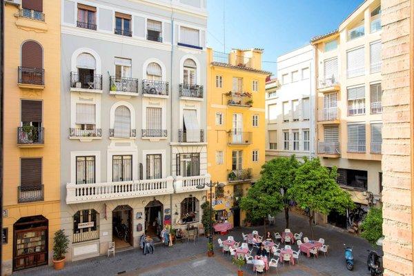 Spain Select Plaza de la Reina Apartments - фото 16