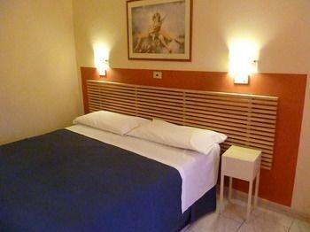 Hotel Pensione Romeo - фото 2