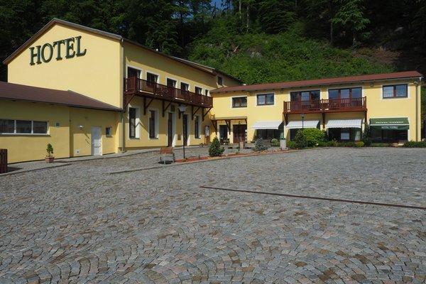 Hotel Vyprez - Decin - фото 22