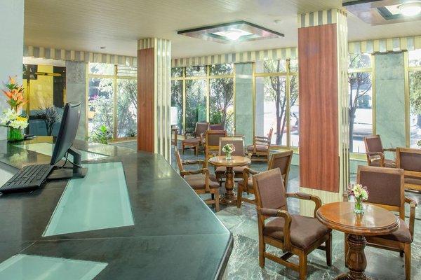 Hotel Senorial - фото 12