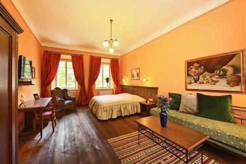 Hotel Edward Kelly - фото 1