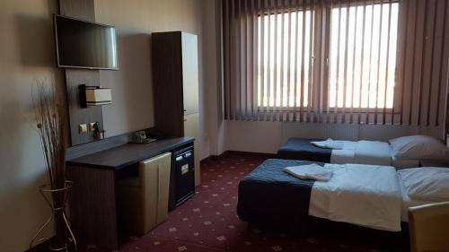 Hotel Montenegro - фото 2