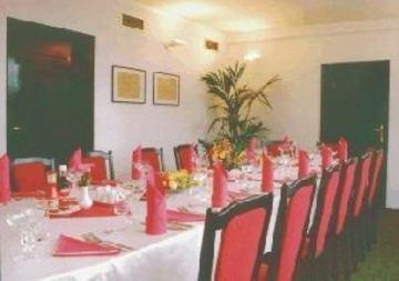 A-Austerlitz Hotel - фото 12