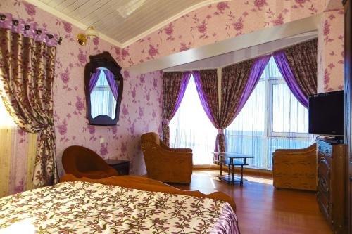 Отель Кавказ - фото 1
