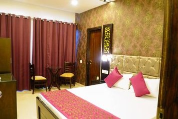 Hotel JH E18HTEEN