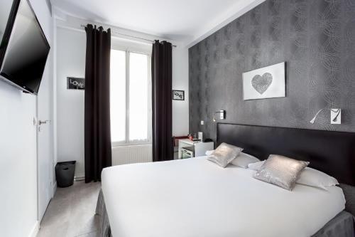 Porte de Versailles Hotel - фото 7
