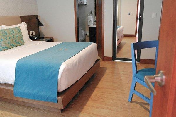 First Class Hotel - фото 1