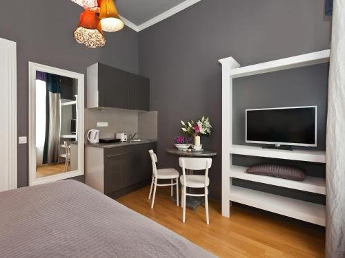 Royal Prague City Apartments - фото 6
