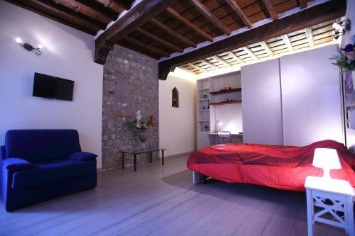 Visit Florentia Apartment - фото 12