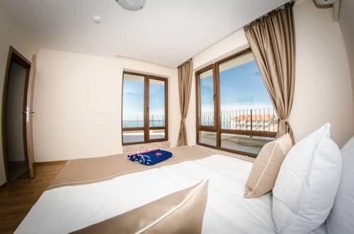 Premier Fort Beach Hotel - фото 1