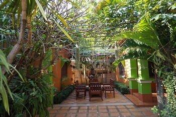 Phetphaylin Hotel - фото 18