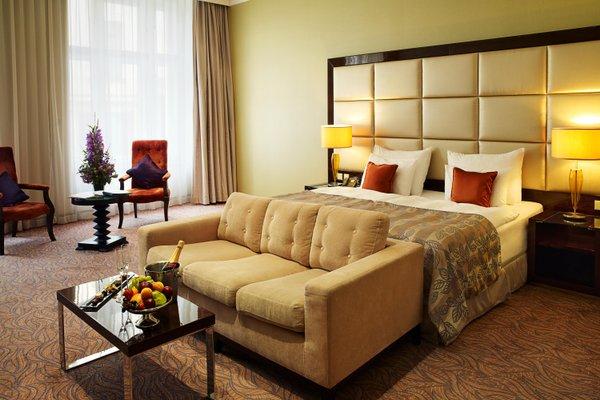 Отель Kings Court - фото 1