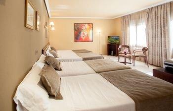Imperial Atiram Hotel - фото 1