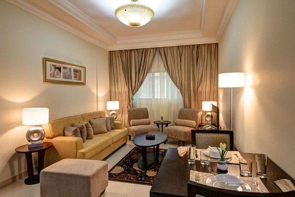 Adamo Hotel Apartments (ех. White Feather Hotel Apartments) - фото 4