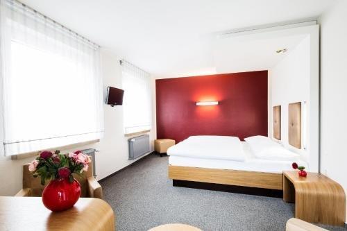 Hotel Global Inn - фото 1