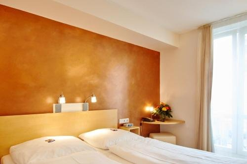 Town Hotel Wiesbaden - фото 2