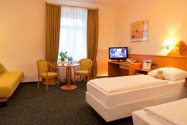 Favored Hotel Hansa - фото 6