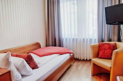 Garni Hotel Drei Lilien - фото 1