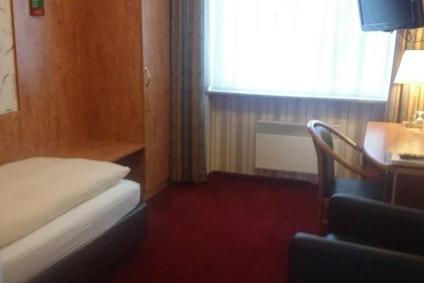 Advantage Hotel - фото 4