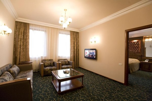 Hotel Russia - фото 2