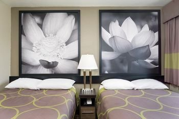 Photo of Super 8 by Wyndham Florence