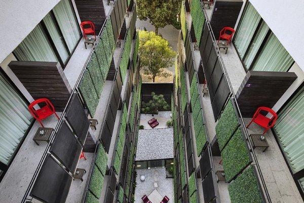 Las Suites Campos Eliseos - фото 14