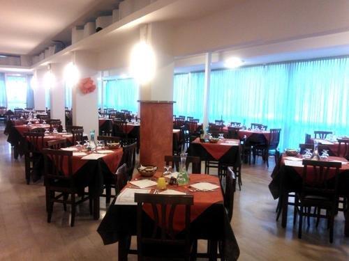 Hotel Galles Rimini - фото 10