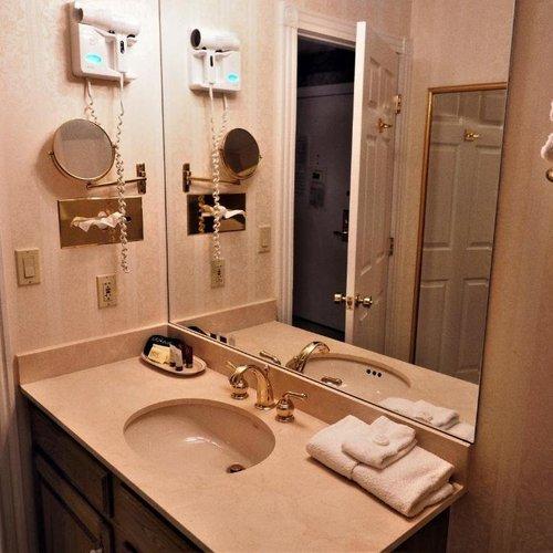 Photo of Phoenix Inn Resort