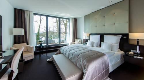 Relais & Chateaux Hotel Burg Schwarzenstein - фото 4