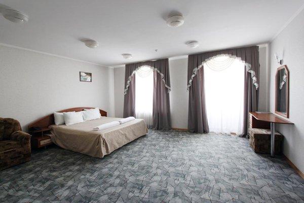 Гостиница  Мрия - фото 1