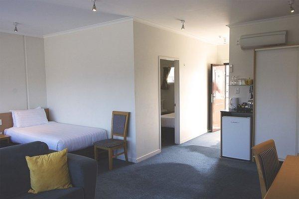 Saxton Lodge Motel - фото 4
