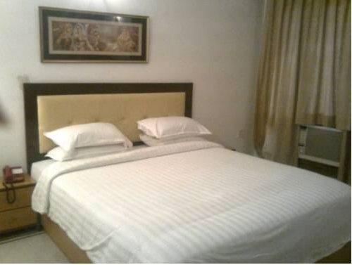 Photo of Hotel Veera Residency