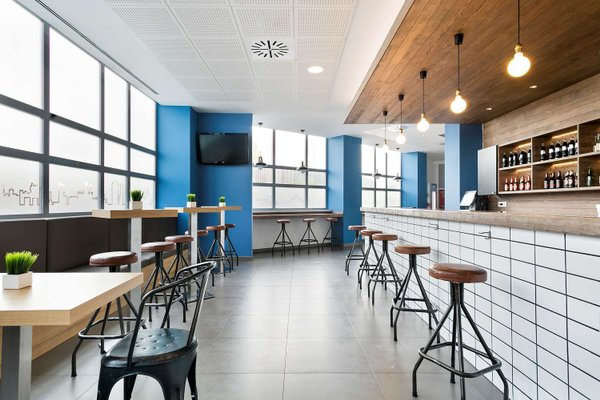 Tryp Madrid Airport Suites - фото 13