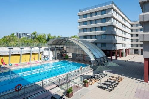 Tryp Madrid Airport Suites - фото 20