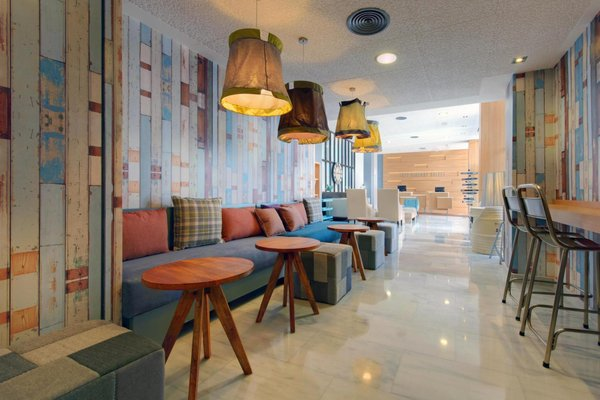 Tryp Madrid Airport Suites - фото 5