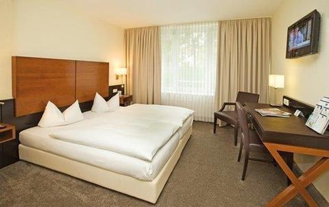 Best Western Plus Atrium Hotel - фото 2